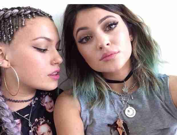 Kylie Jenner Goes Blue — See Her New Hairstyle Here! (PHOTO)