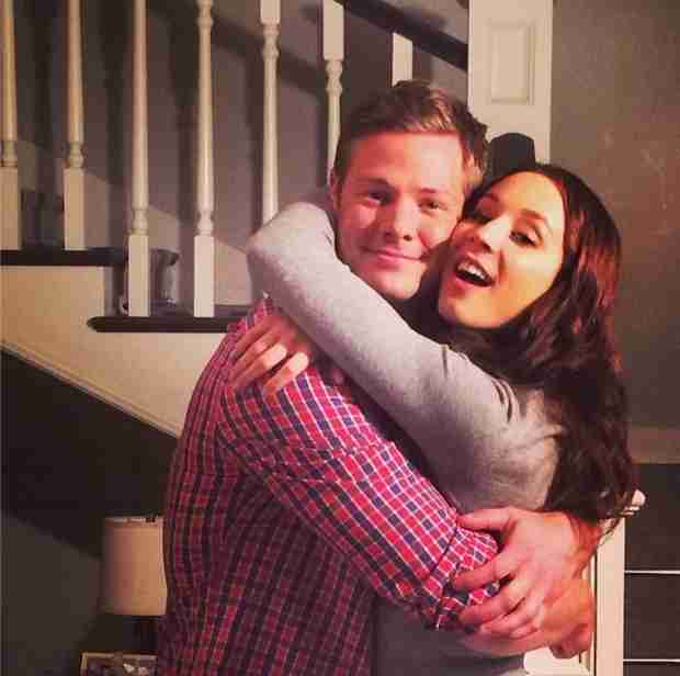 Pretty Little Liars Season 5 Spoilers: Spencer and Andrew Are Hugging?! (PHOTO)
