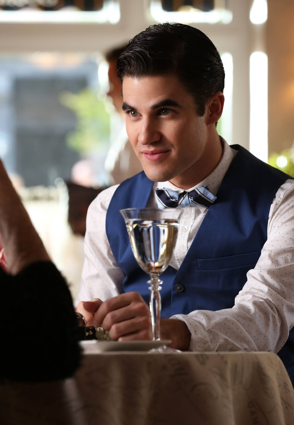 Glee Spoilers: Will Shirley MacLaine Come Between Kurt and Blaine?