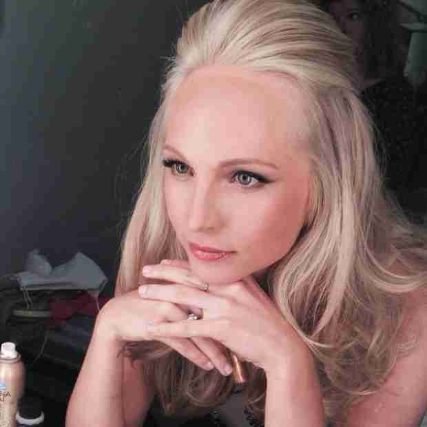 Vampire Diaries Star Candice Accola Goes Glam on Craig Ferguson (PHOTO)