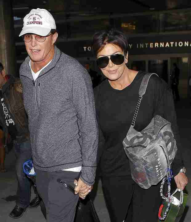 Kris Jenner Spotted Holding Hands With Bruce — Are They Back Together? (VIDEO) — UPDATE