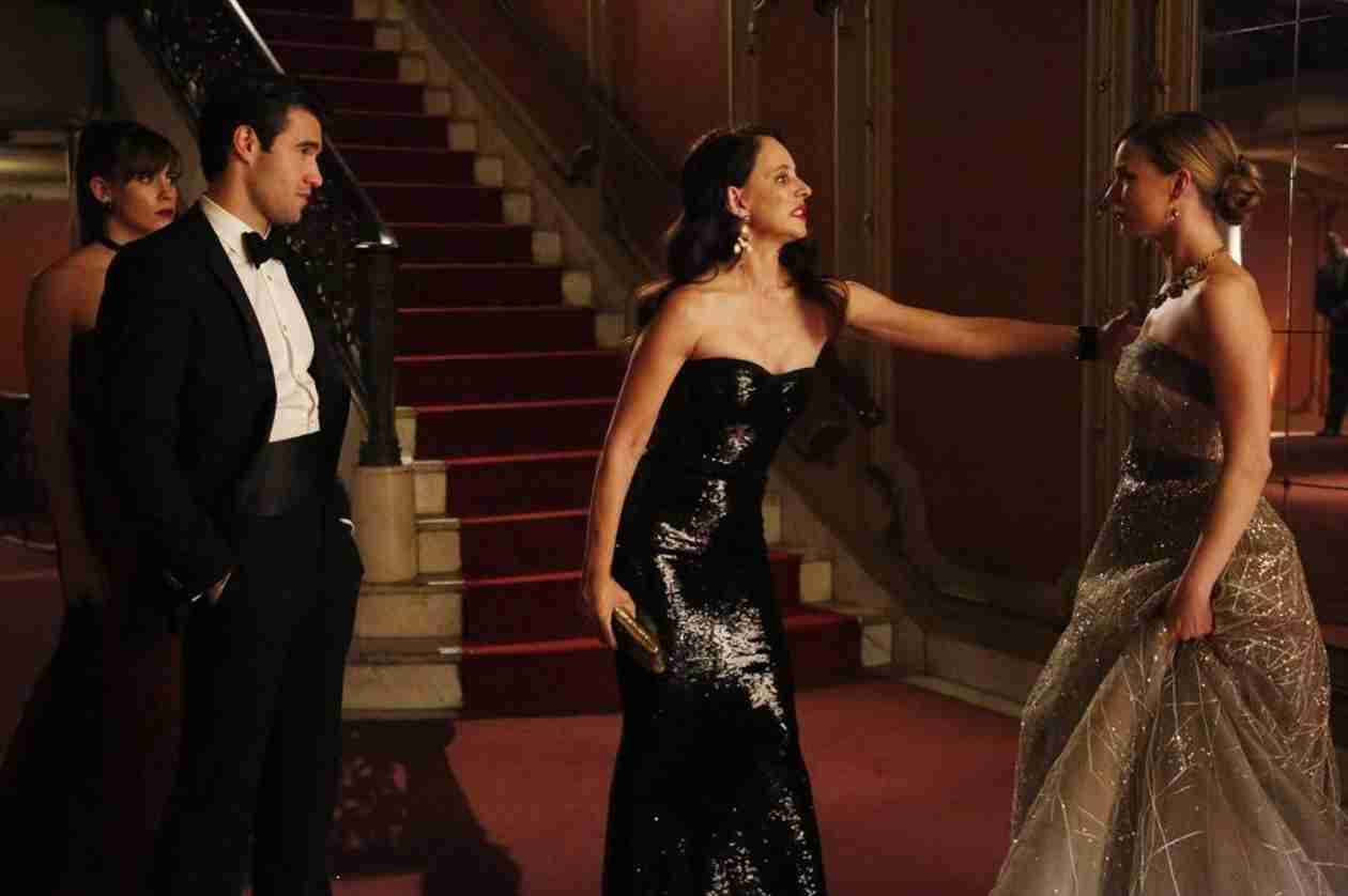 Revenge Season 3 Spoilers: Emily and Victoria's Rivalry Heats Up