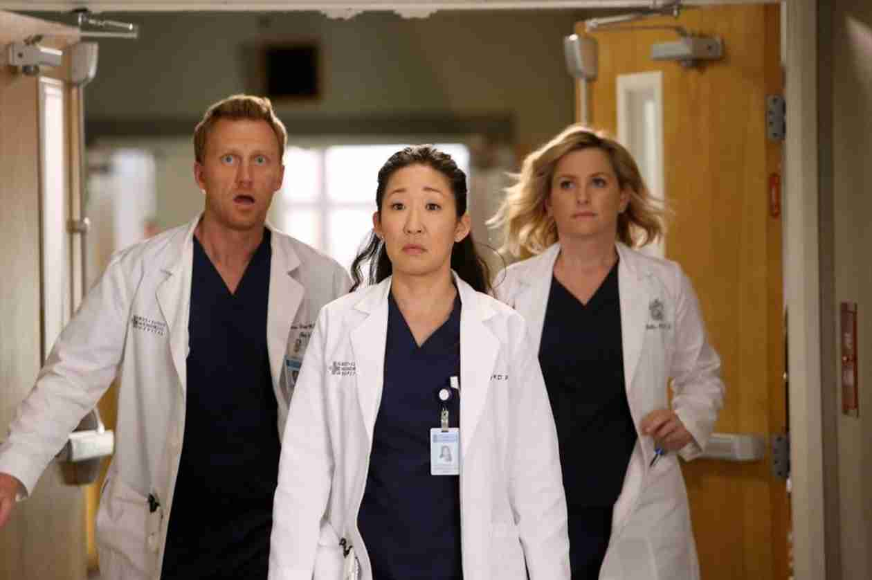 "Grey's Anatomy Recap: Season 10, Episode 19, ""I'm Winning"""