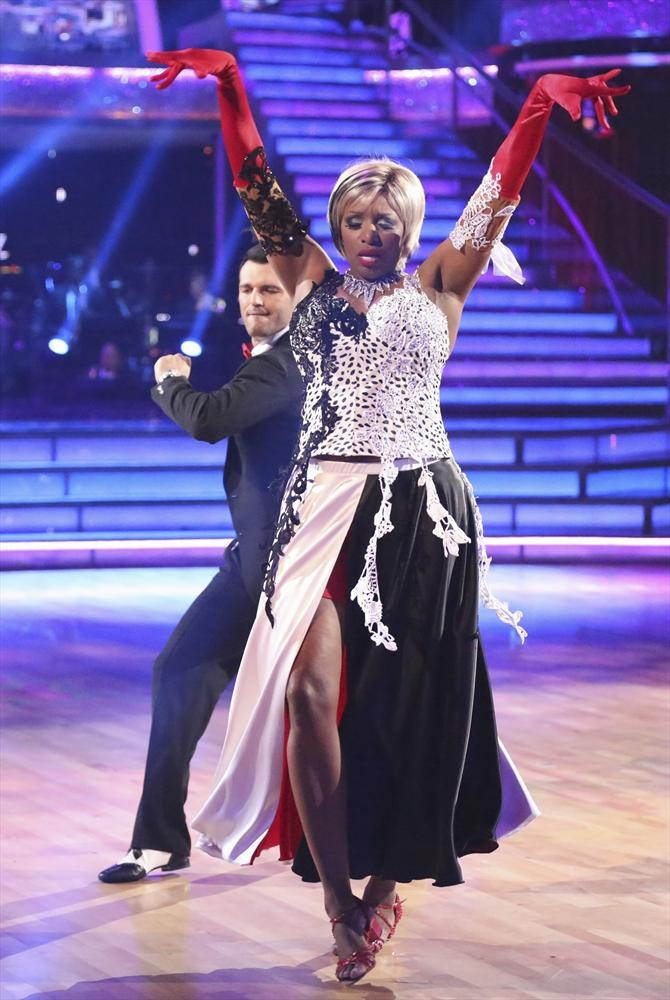 Dancing With the Stars 2014: NeNe Leakes and Tony Dovolani's Week 6 Salsa (VIDEO)