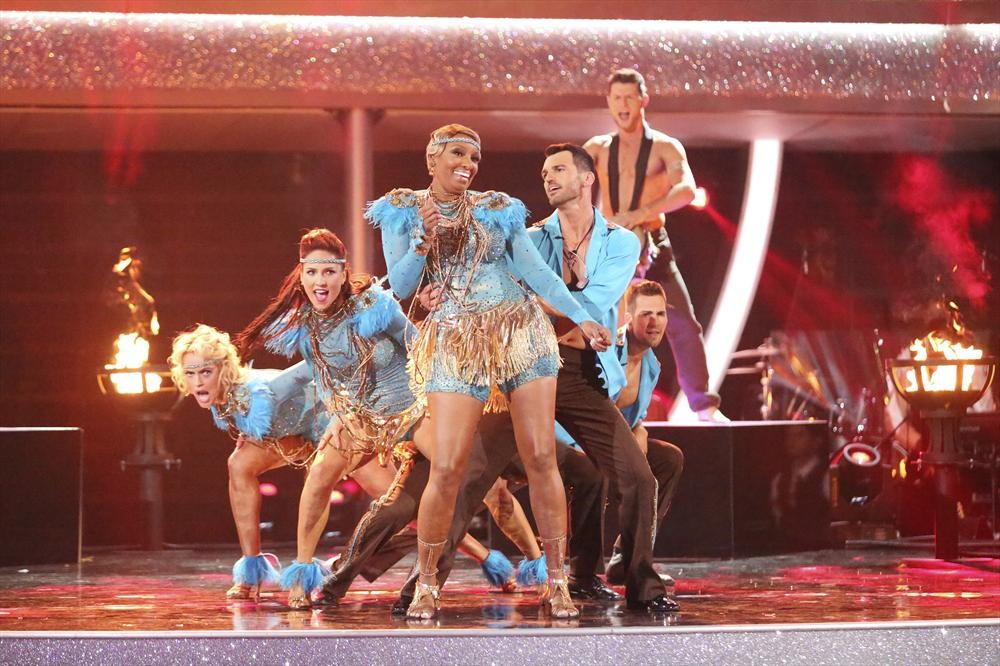 Dancing With the Stars Season 18: Which Team Dance Was Better?