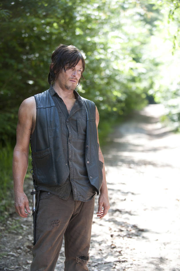 "The Walking Dead: Daryl Dixon Is Robert Kirkman's ""Favorite Element"" of TV Show — Are You Surprised? (VIDEO)"