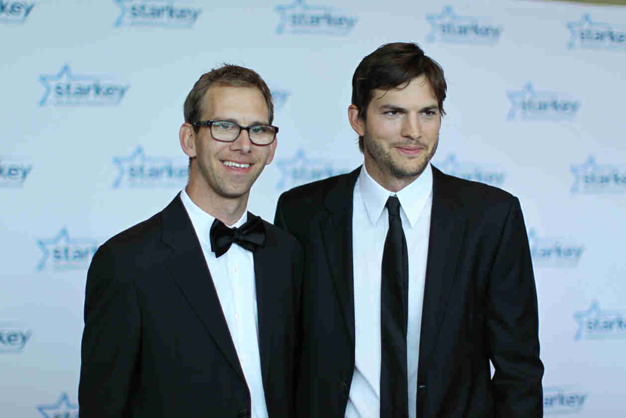 Ashton Kutcher's Twin Brother and Older Sister Are Also Expecting! — Report