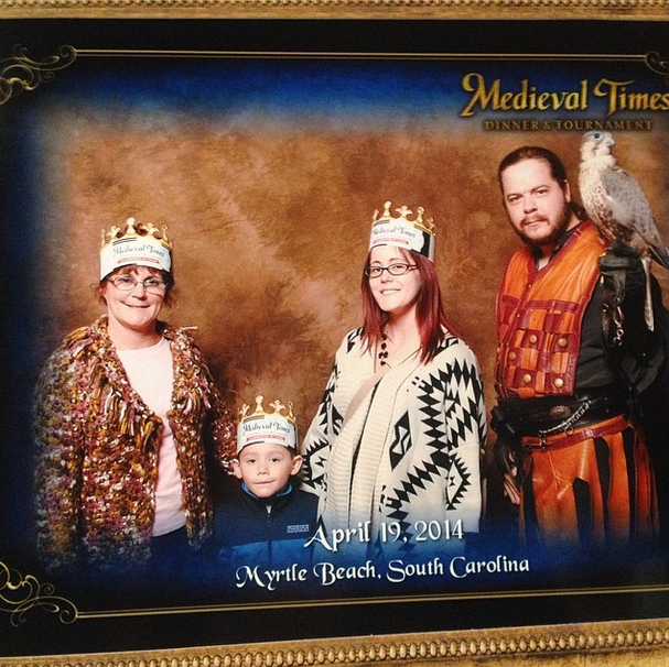 Jenelle Evans Gets Medieval with Her Family! (PHOTO)