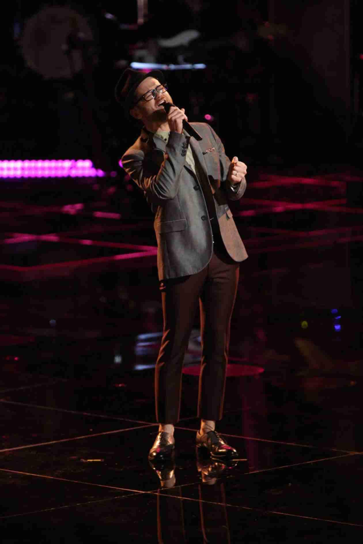 Watch Josh Kaufman Sing on The Voice 2014 Playoffs, April 14, 2014 (VIDEO)