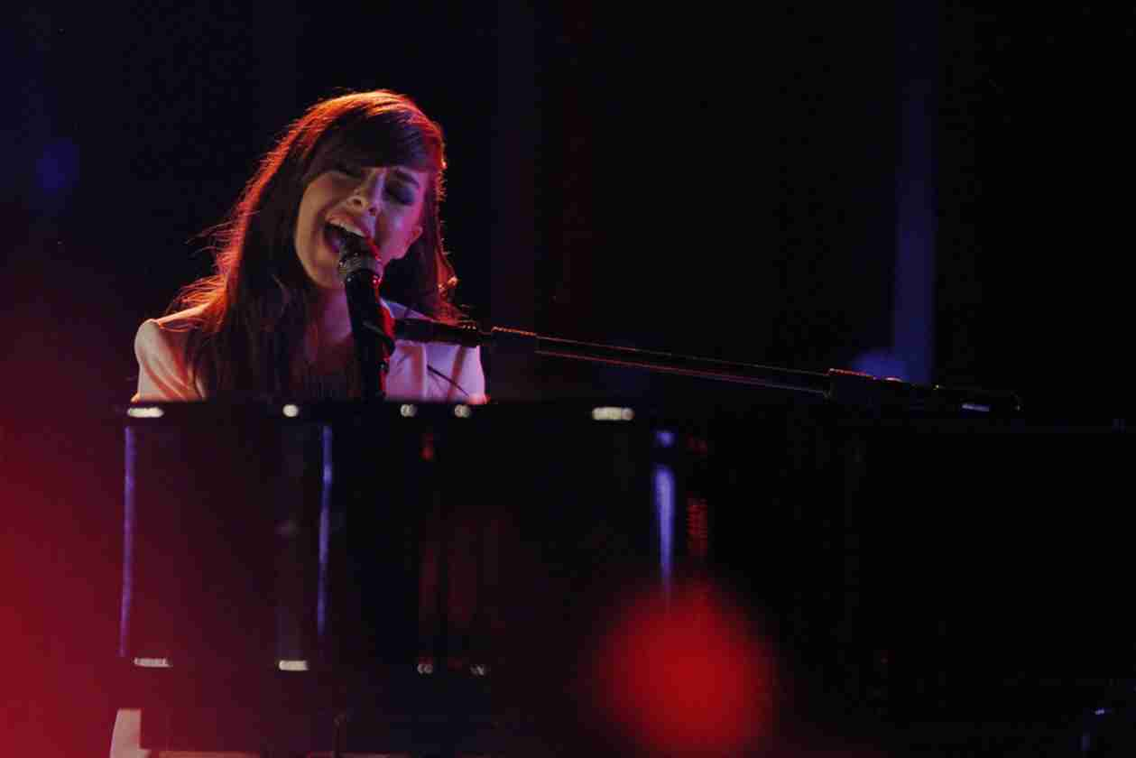Watch Christina Grimmie Sing on The Voice 2014 Live Shows, April 28, 2014 (VIDEO)