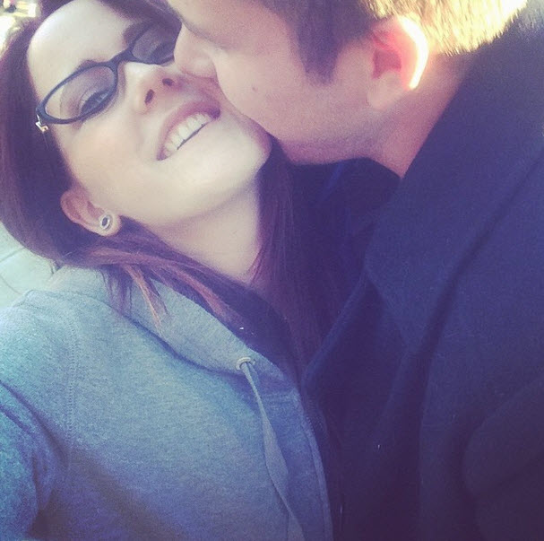 Jenelle Evans Shows Off Her Baby Bump With Nathan Griffith (PHOTO)