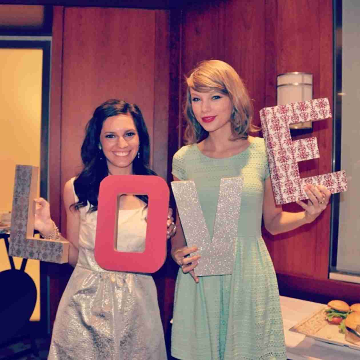 Taylor Swift Adorably Crashes Fan's Bridal Shower (VIDEO)