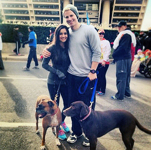 """Mama"" Catherine Giudici Cuddles With Sean Lowe's Dog Lola (CUTE PHOTO)"