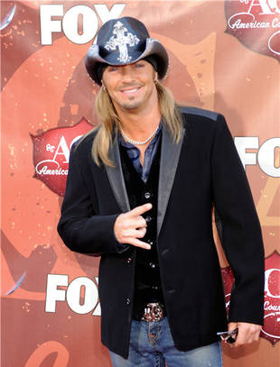 Bret Michaels Rushed Off Stage With Low Blood Sugar During Concert (VIDEO)