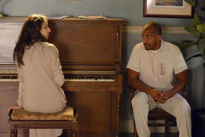 "Pretty Little Liars Season 5, Episode 7 Title Revealed — ""The Silence of E. Lamb"""