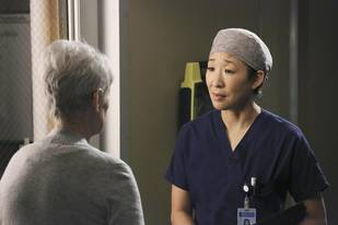 Grey's Anatomy Spoilers: 4 Things We Learn From the Season 10, Episode 23 Promo (VIDEO)