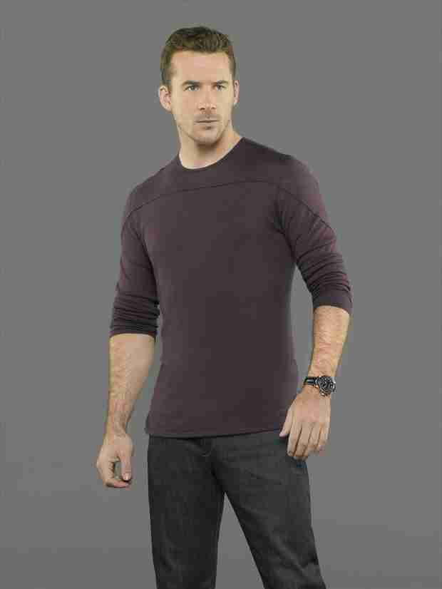 Revenge Star Barry Sloane's Pilot Picked Up — Will Aiden Die?