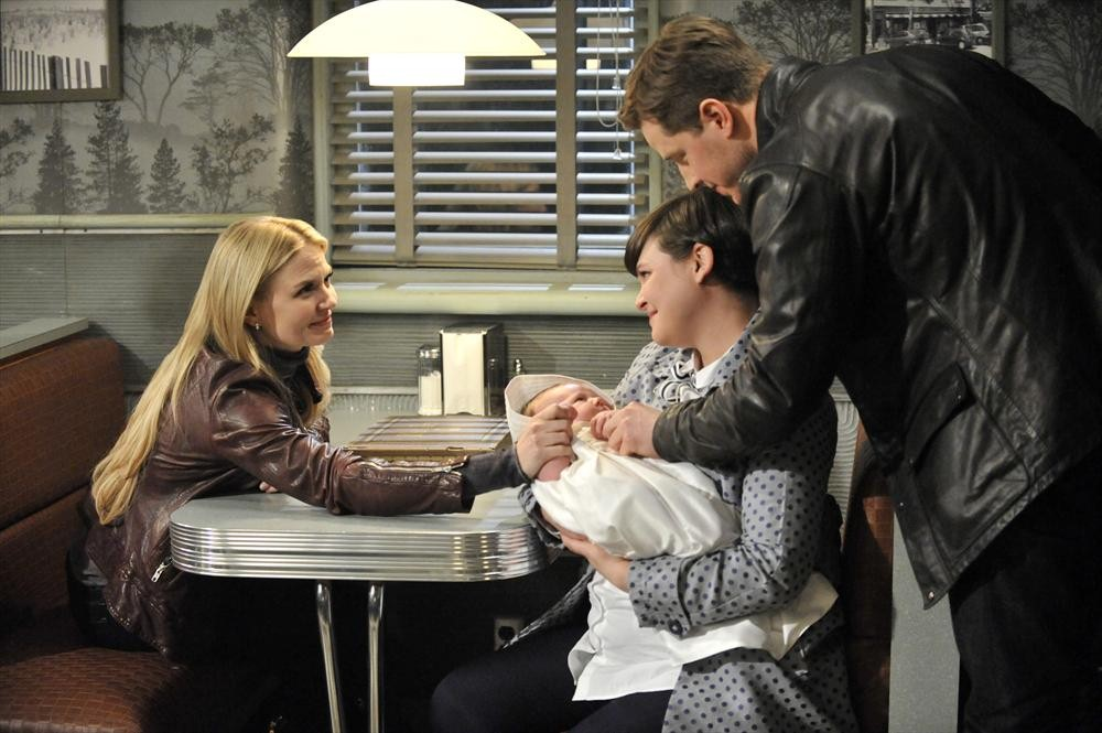 "Once Upon a Time Season 3 Finale Recap — ""Snow Drifts"" and ""There's No Place Like Home"""