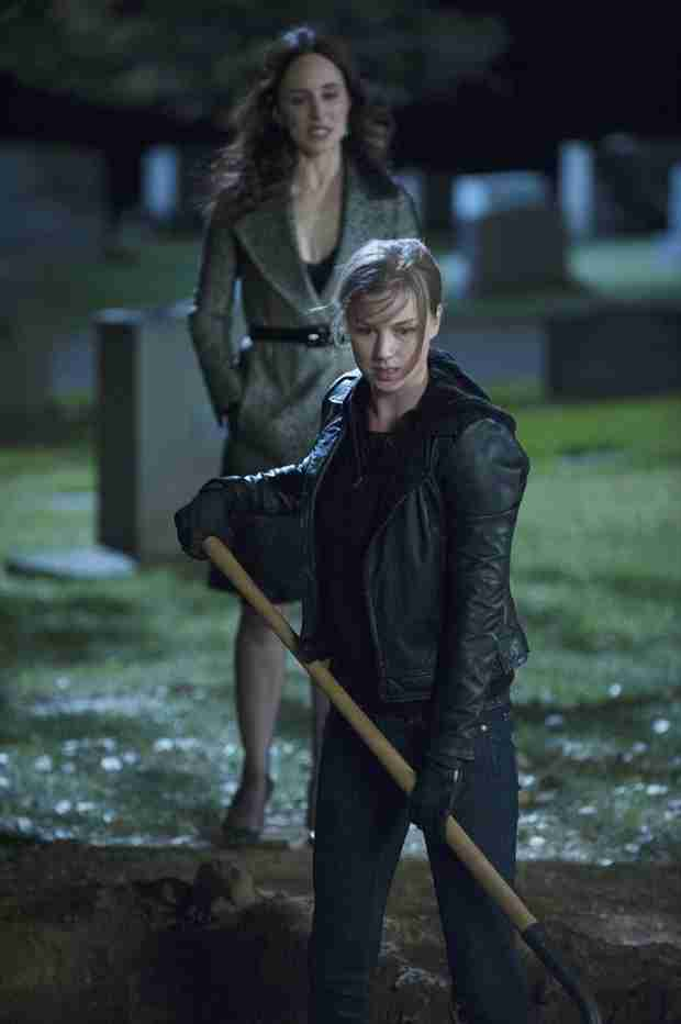 "Revenge Season 3 Finale Spoilers Roundup: Everything You Need to Know About ""Execution"""