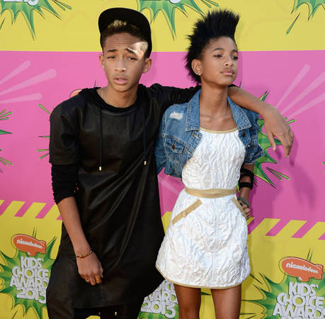 Willow Smith Caught in Bed — With a Shirtless 20-Year Old?! (VIDEO)