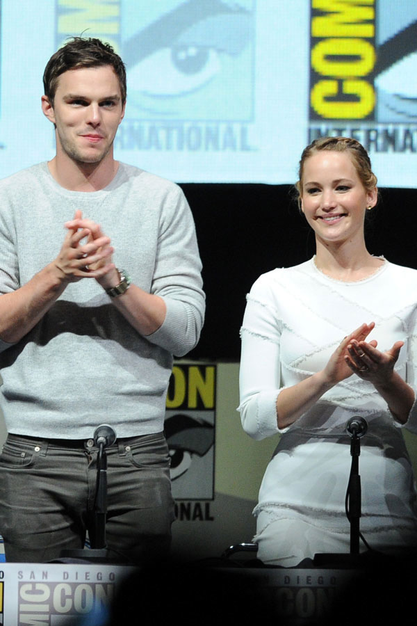 "Jennifer Lawrence: Nicholas Hoult and I ""Mutually Ignore Each Other"" (VIDEO)"