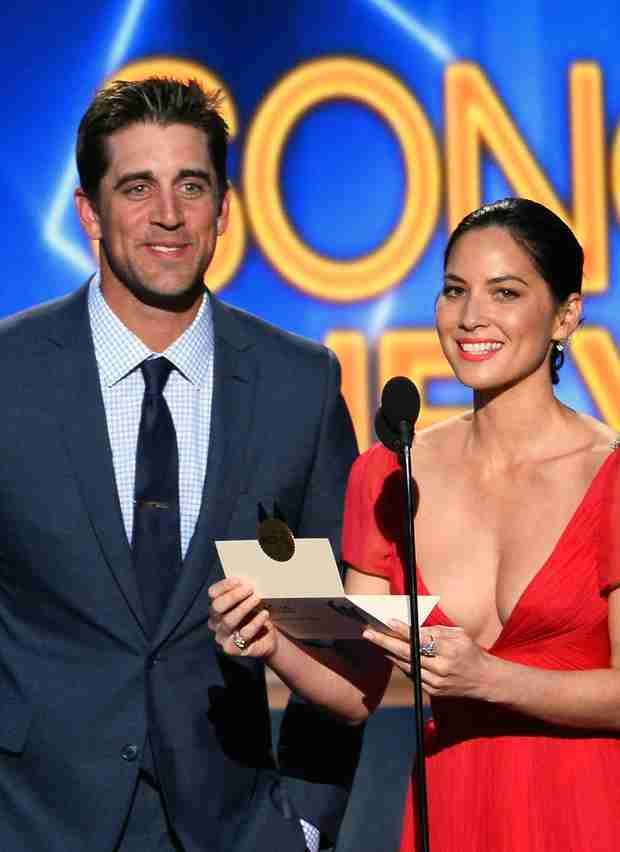Olivia Munn Dating Football Hunk Aaron Rodgers After Joel Kinnaman Split