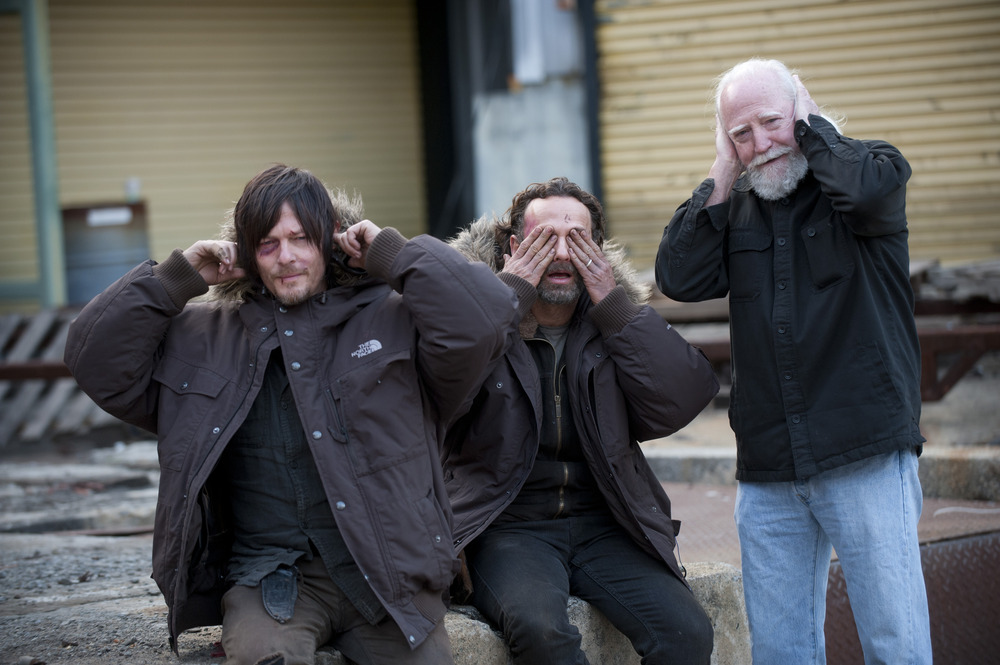 "The Walking Dead Season 5: Norman Reedus Teases ""Amazing Stuff"" on Set"