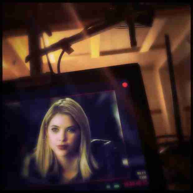 "Pretty Little Liars Season 5, Episode 7 Sneak Peek: Ashley Benson ""Lights Up the Screen"""