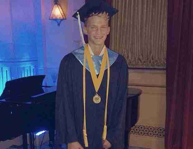 Cody Simpson Graduates as Valedictorian of His High School Class