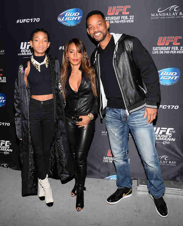 "Will and Jada Smith Call Willow's Pic With Shirtless Man ""Art"" – Report"