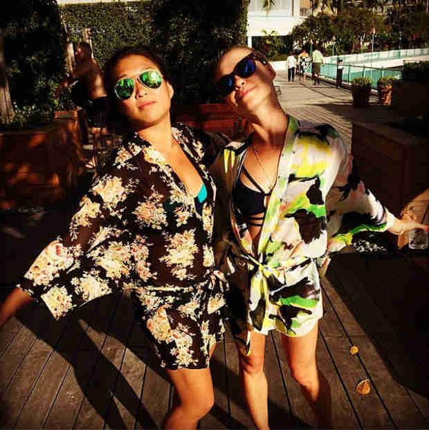 Jenna Ushkowitz Copes With Michael Trevino Split By Heading to Hawaii (PHOTO)