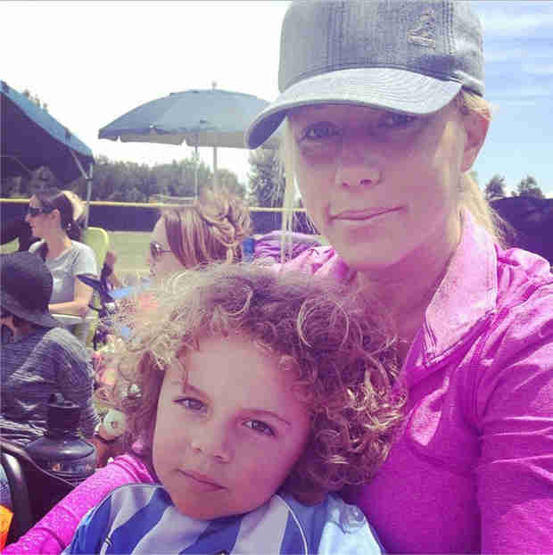 Does Hank Baskett Jr. Look Just Like Kendra Wilkinson?
