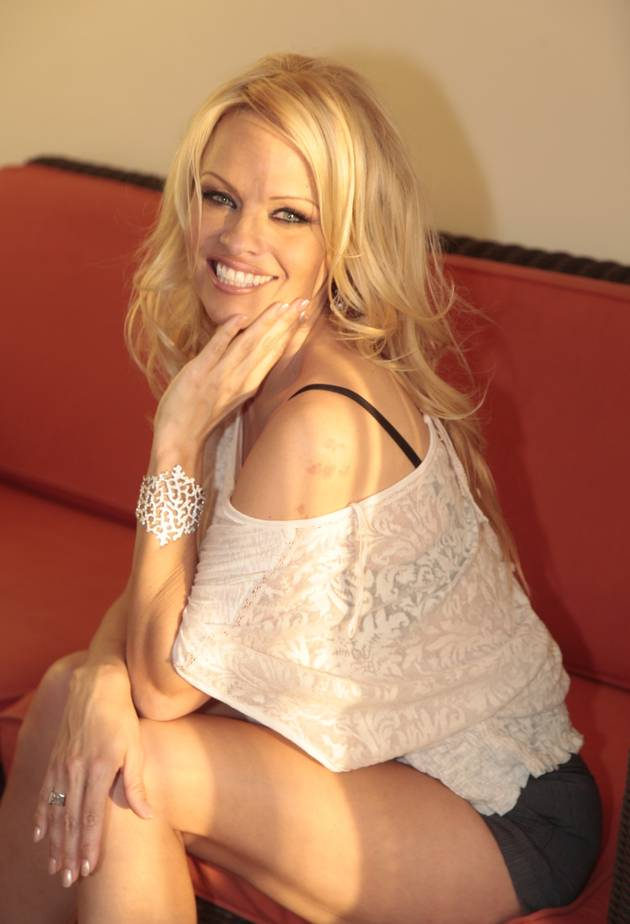 """Pamela Anderson Reveals She Was Molested, Gang Raped: """"I Wanted Off This Earth"""" (VIDEO)"""