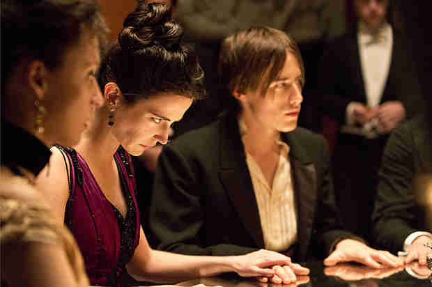 "Penny Dreadful: Which Demon Possessed Vanessa Ives in ""Séance""?"