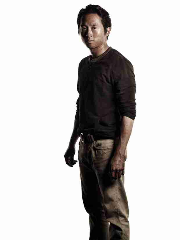 "The Walking Dead: Robert Kirkman Gives Steven Yeun Crap For Making Glenn Buff — ""That's Not What We Wanted!"""