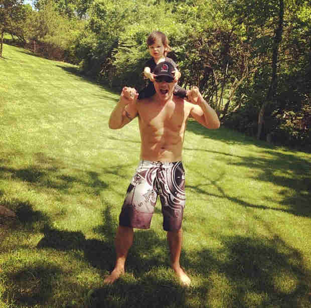 Nick Lachey Looks Ripped in Cute Pic With Son Camden (PHOTO)