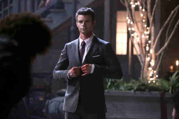 The Originals Season 1 Finale Promo — The Hybrid Baby Is in Danger! (VIDEO)