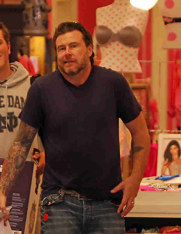 What Did Dean McDermott Buy Tori Spelling For Their Anniversary? (VIDEO)