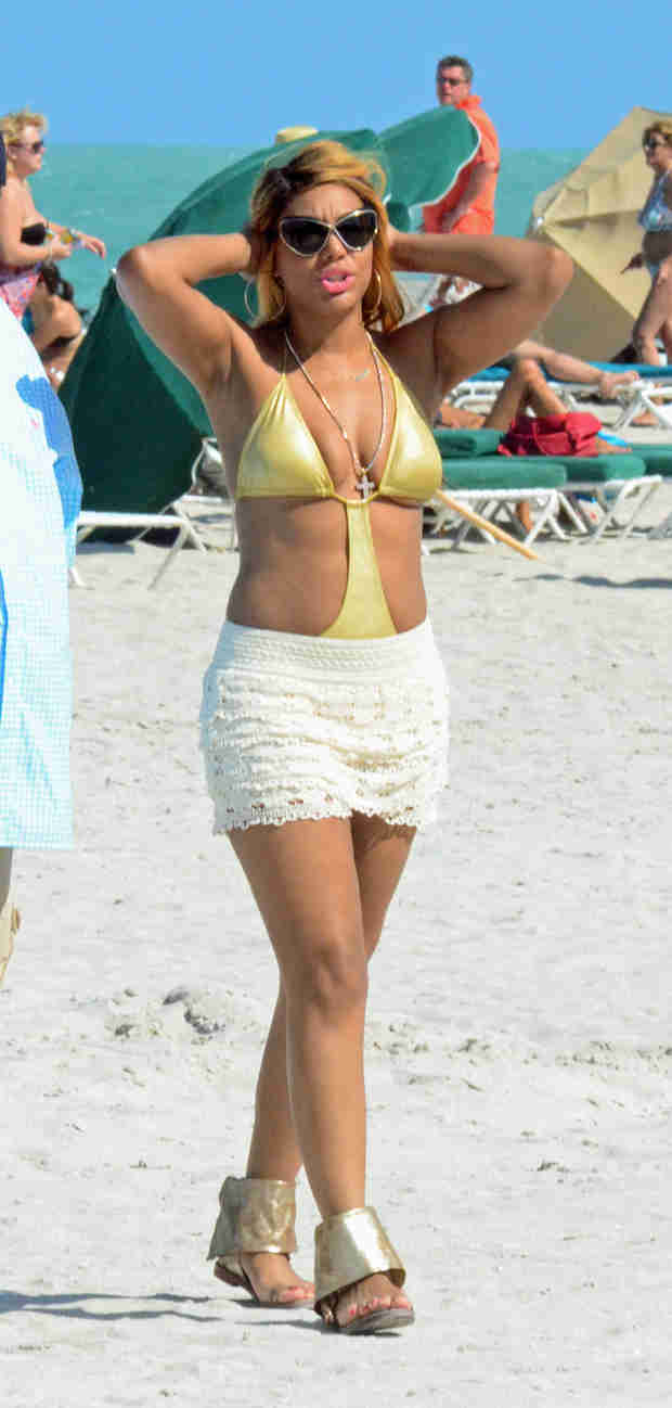 Tamar Braxton Hits the Beach With Vince and Logan to Film Tamar & Vince (PHOTOS)