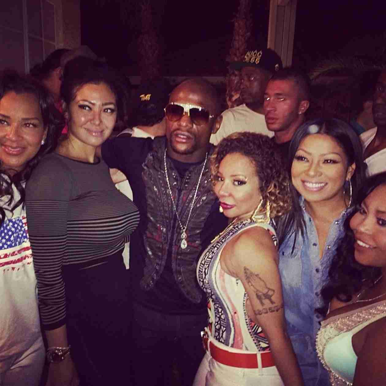 Floyd Mayweather Apologizes to Tiny Harris For Insulting Her During Fight With T.I.