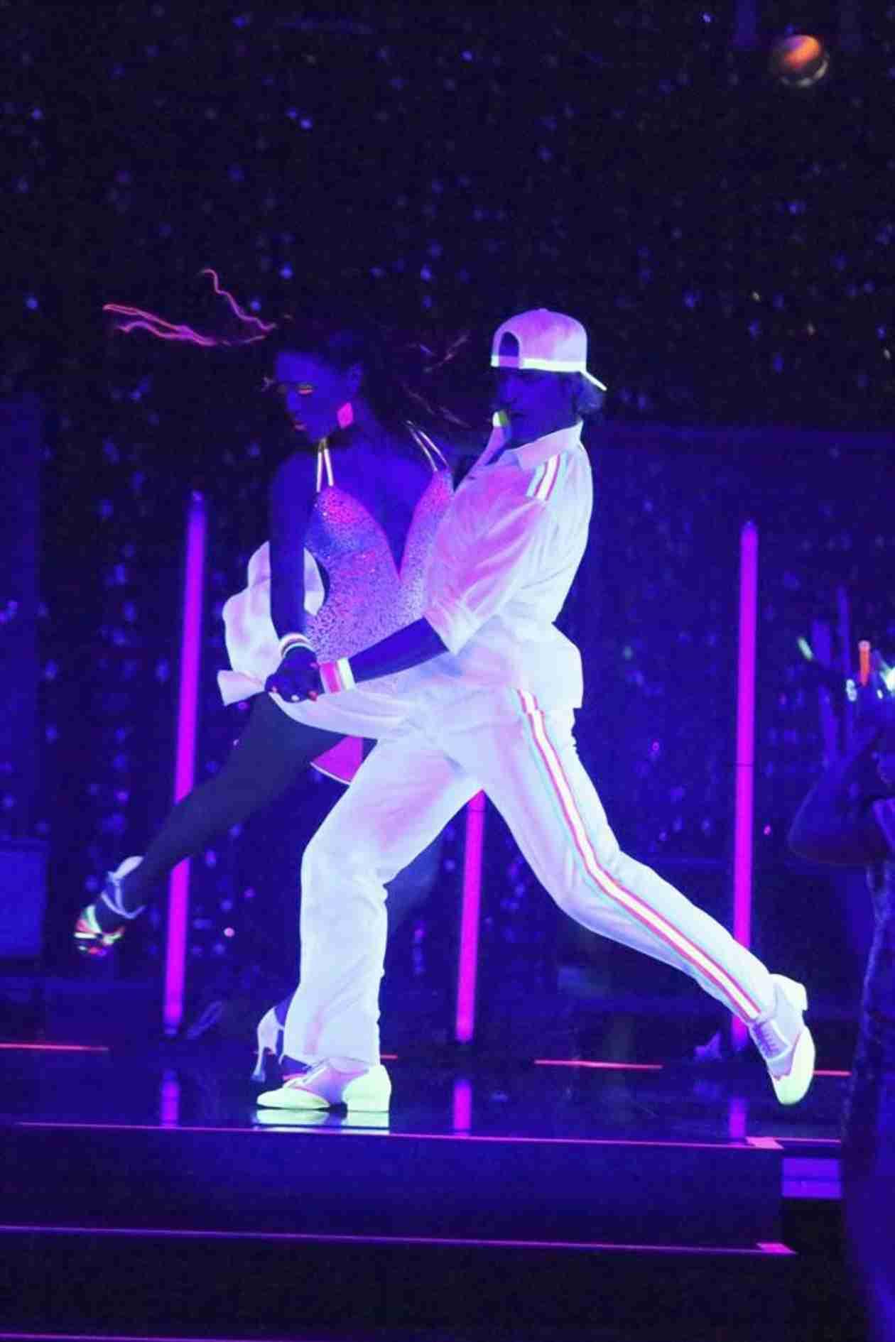 Dancing With the Stars 2014:  Charlie White and Sharna Burgess's Week 9 Samba (VIDEO)