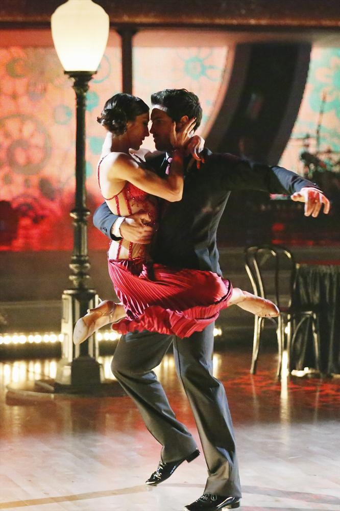 Dancing With the Stars Season 18: Meryl Davis and Maksim Chmerkovskiy Win!