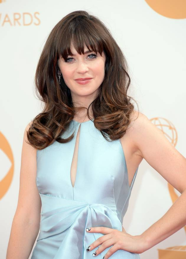 Zooey Deschanel Takes Makeup-Free Selfie (PHOTO)