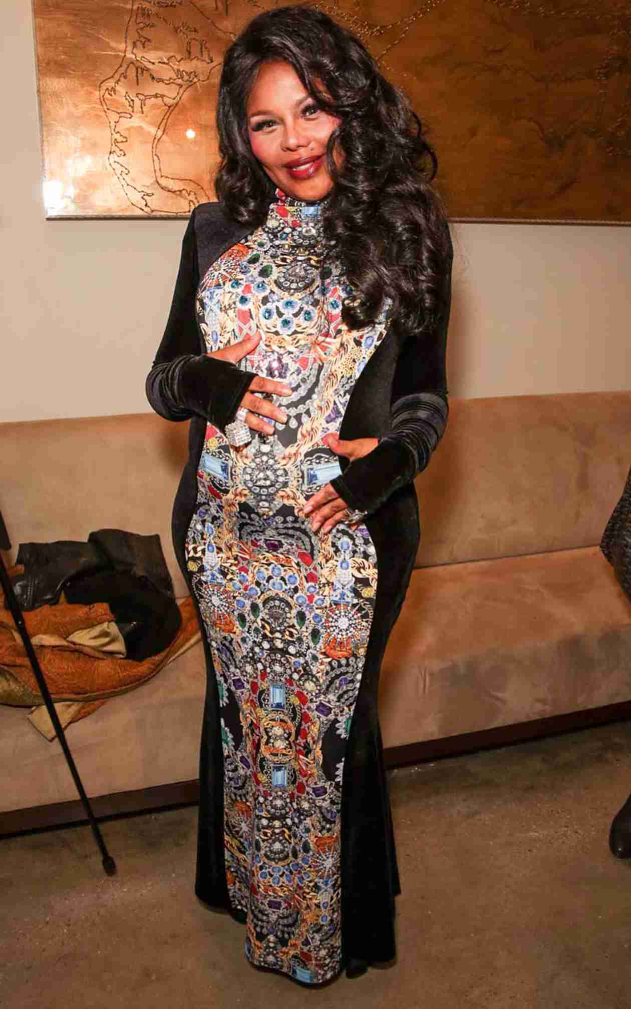 Lil' Kim Attends Her Baby Shower With Her Baby Daddy — Who Is He? (PHOTO)