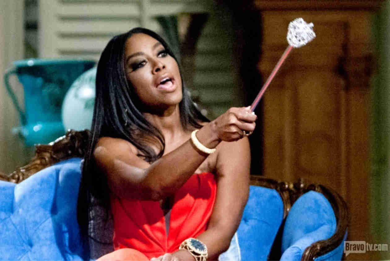 "Kenya Moore Threatens to Go ""Crazy"" on Someone Who's ""Messing With Her Family"""