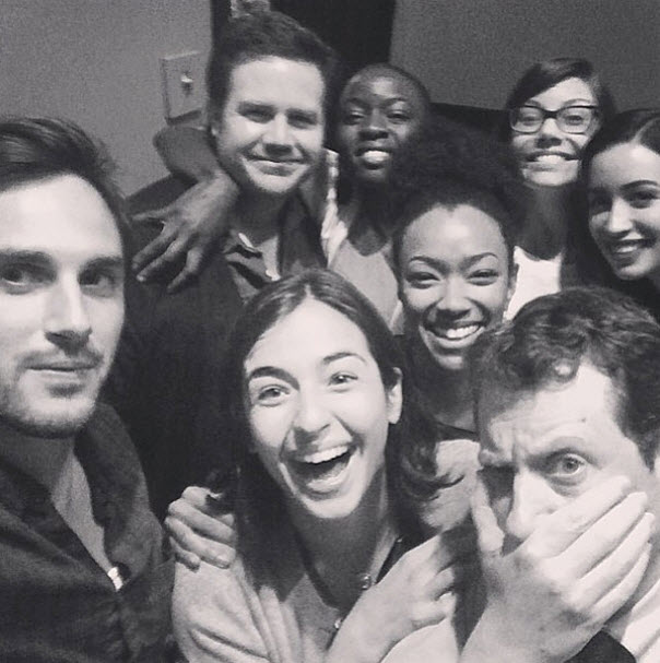 "The Walking Dead Season 5: See New ""Family"" Picture From Set (PHOTO)"