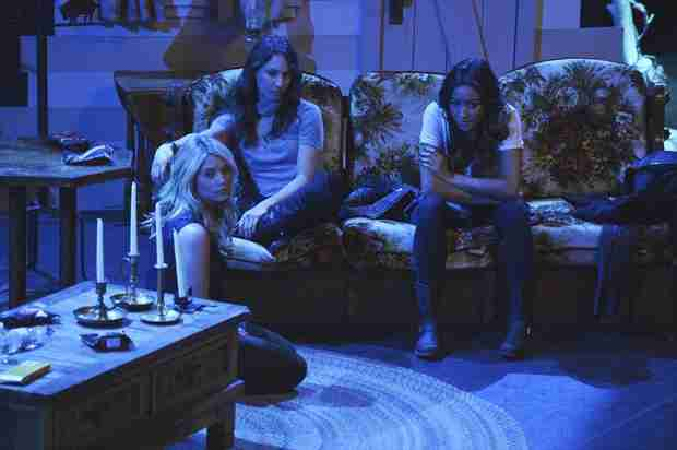 Pretty Little Liars Recap: Season 5 Premiere — Aria Kills Shana!