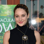 Shailene Woodley Makes Out Non-Stop in New Preview of White Bird in a Blizzard (VIDEO)