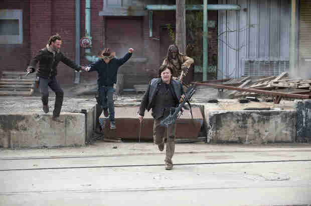 """The Walking Dead Season 5: More Talk of a Cure and """"Mind-Blowing"""" Stuff Ahead"""