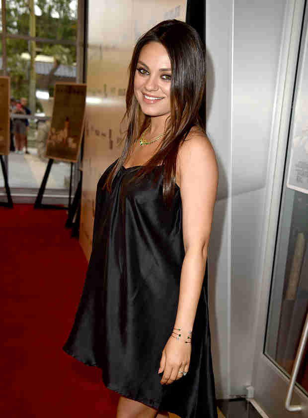 "Pregnant Mila Kunis Wants Men to Stop Saying ""We're Pregnant"" (VIDEO)"